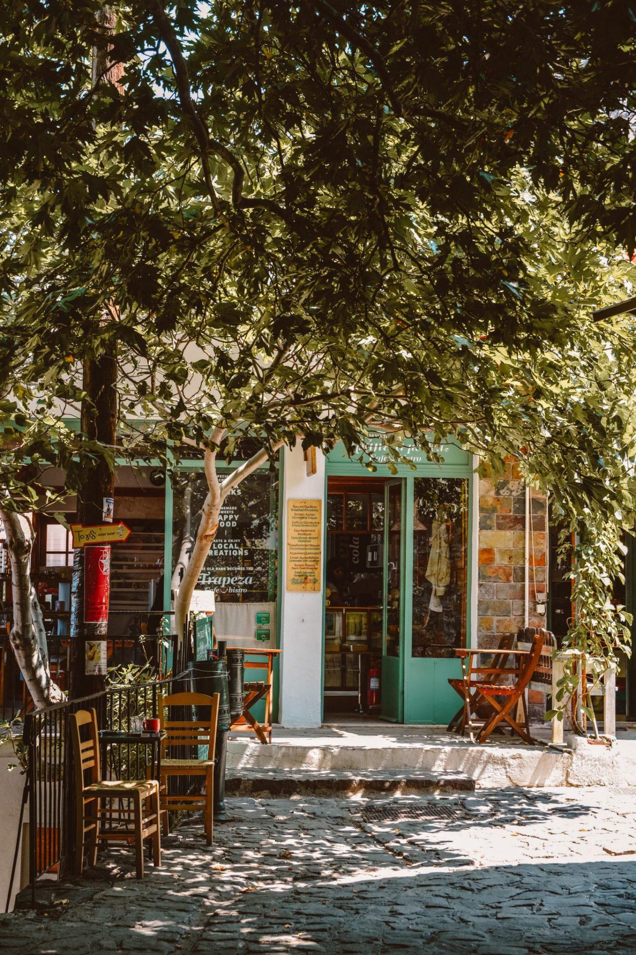 Café Trapeza, Samothrace, Greece